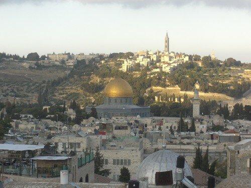 Jerusalem, Dome du Rocher et Mont des Oliviers derriere