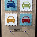 Carte d'anniversaire gaie et colorée pour garçon avec voitures