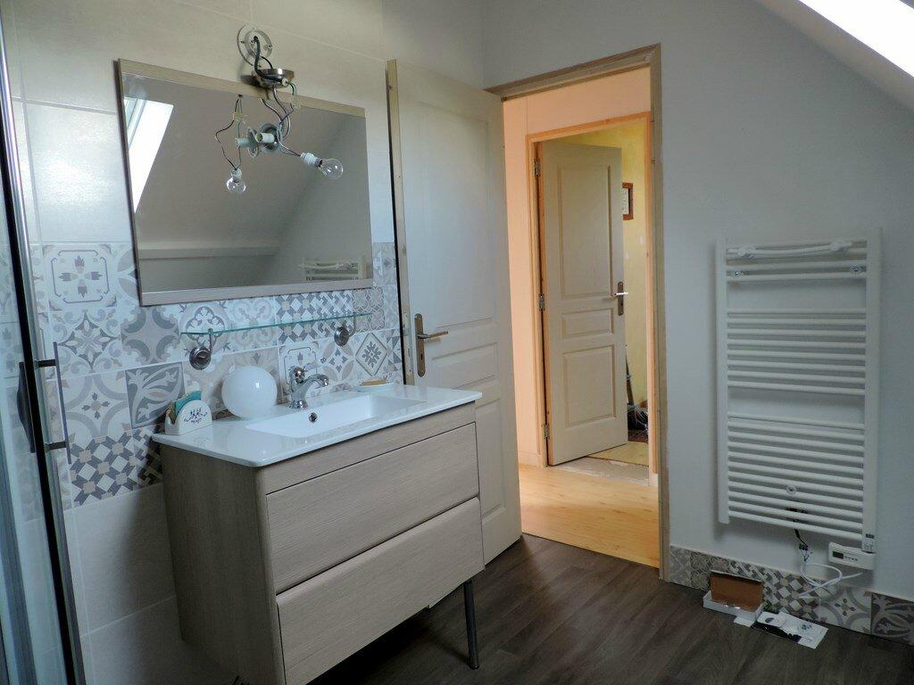 Salle d 39 eau ker bluebreizh for Salle de bain annee 30