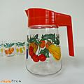Vintage ... pichet * motif fruits