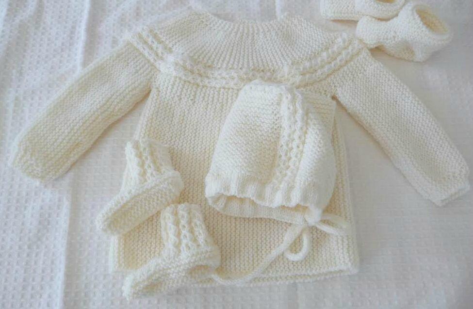 Ensemble laine pour bébé brassière enfant   Distrivet 73381f16ad7