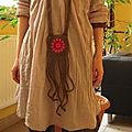 2539 : Collier en crochet, médaillon Sunburst et tentacules