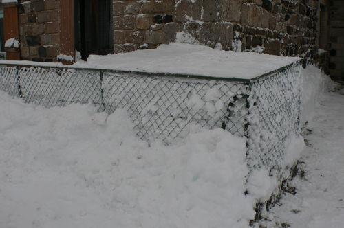 2008 12 18 Neige accumulé dans le balcon aprés déneigement