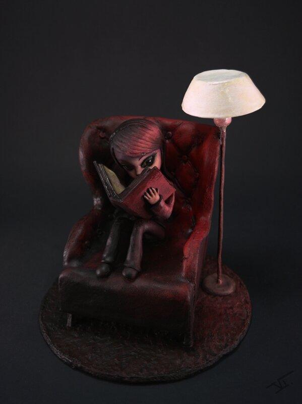 Fille fauteuil1