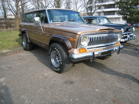Jeep_cherokee_chief_1977_01
