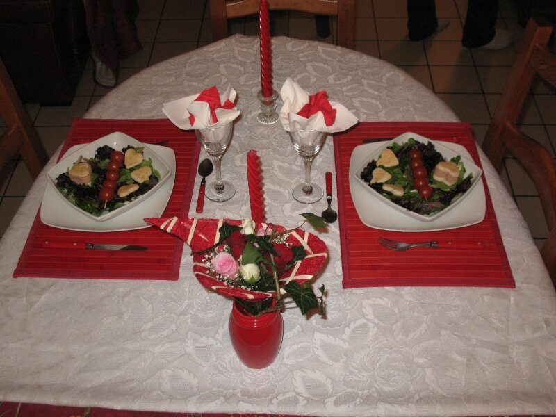 Saint valentin 2009 photo de mes tables d cor es ca se for Deco table st valentin