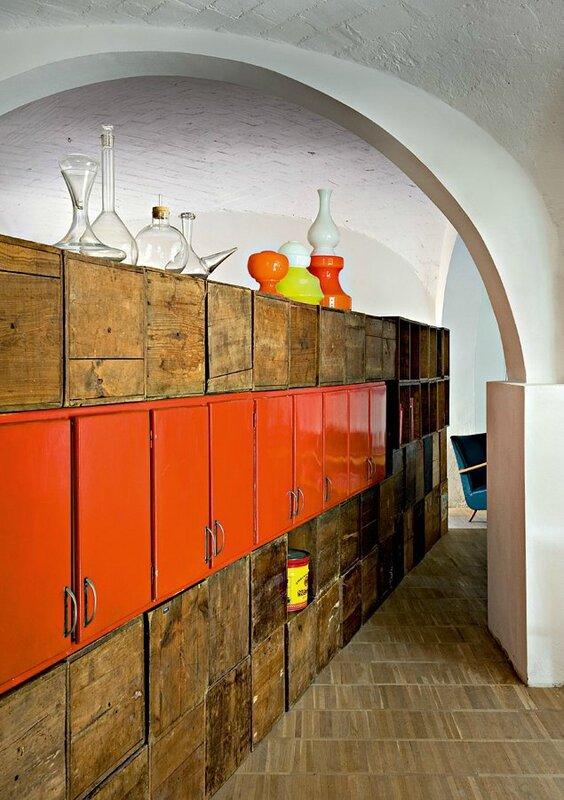 casiers-bois-parquet-meuble-orange