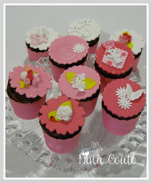 Cupcakes pralin et chocolat n mes atelier des for Decoration pate a sucre