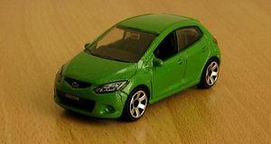 Mazda 2 de chez Matchbox (2008) au 1