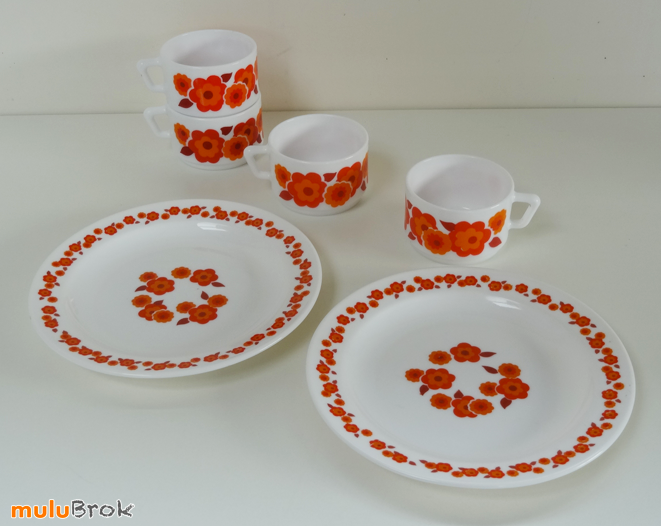 vaisselle assiettes dessert arcopal lotus mulubrok brocante en ligne. Black Bedroom Furniture Sets. Home Design Ideas