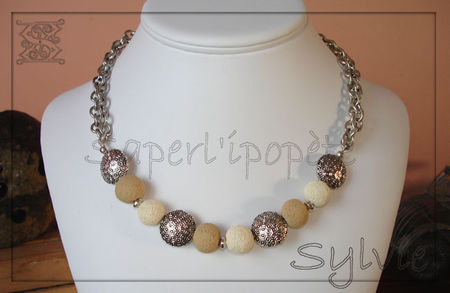 collier_chantilly2_sur_buste
