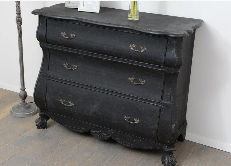 Les consoles de drapier chic et charme meuble amadeus for Meuble romantique chic