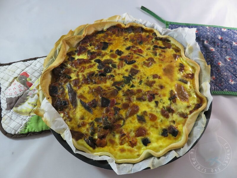 Tarte poulet, caponata, olives
