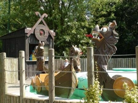 walibi_dragon_boat_2