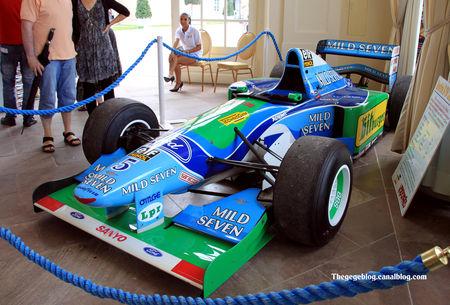 Benetton_F1_type_B_194_chassis_n_8_de_1994__Michael_Schumacher__9_me_Classic_Gala_de_Schwetzingen_2011__01