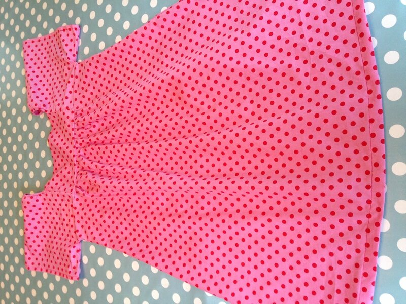 robe rose a pois rouges modele susanne 12A 1