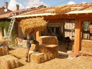 isolation du toit en paille album photos halte d. Black Bedroom Furniture Sets. Home Design Ideas