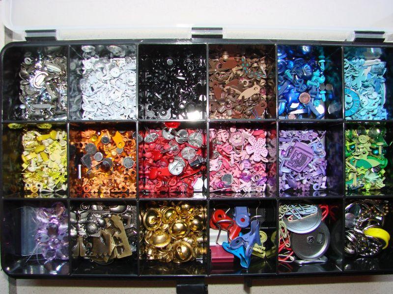 Rangement des fleurs et des boutons le scrap de cortaline for Rangement bricolage