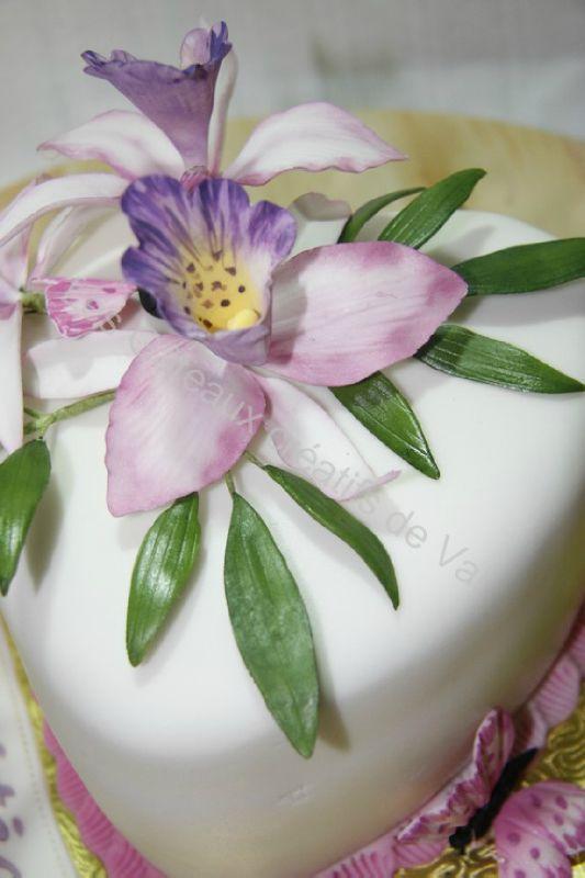 gâteau d'anniversaire orchidées et papillons - les gateaux