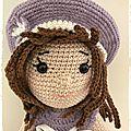 Rose, poupée au crochet