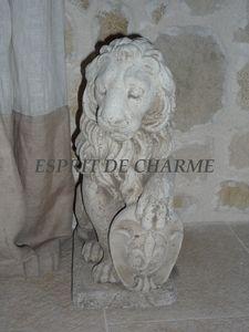 paire_de_lions_en_pierre