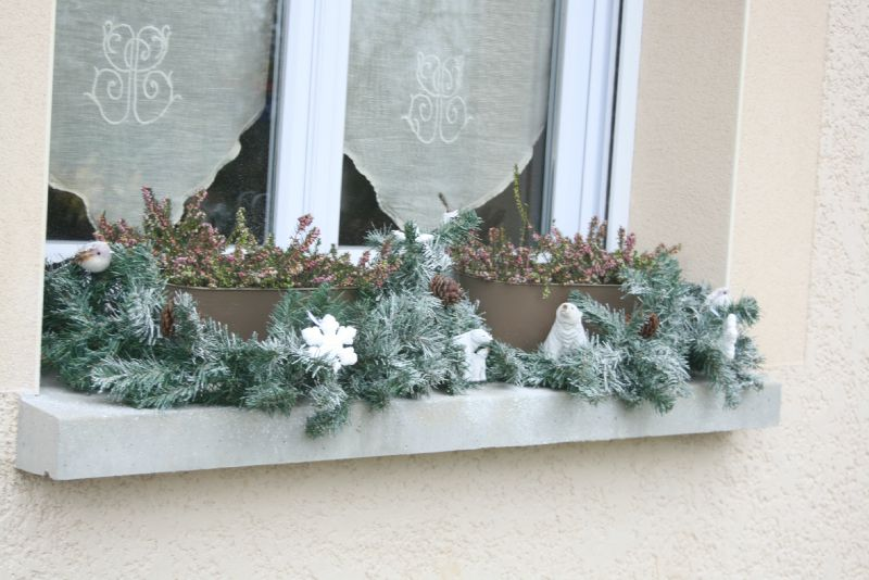 No l th me blanc d co de fen tre photo de d co pour for Decoration rebord fenetre noel
