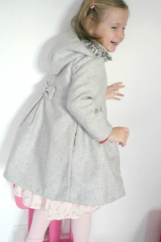 Manteau gris Liberty porté_Chut Charlotte (6)