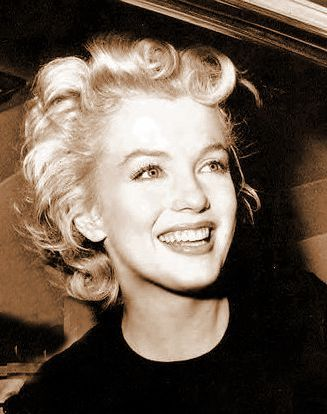 marilyn-monroe-portrait-beautiful-1
