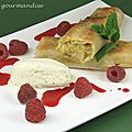 Strudel  la rhubarbe, coulis de framboises et glace vanille