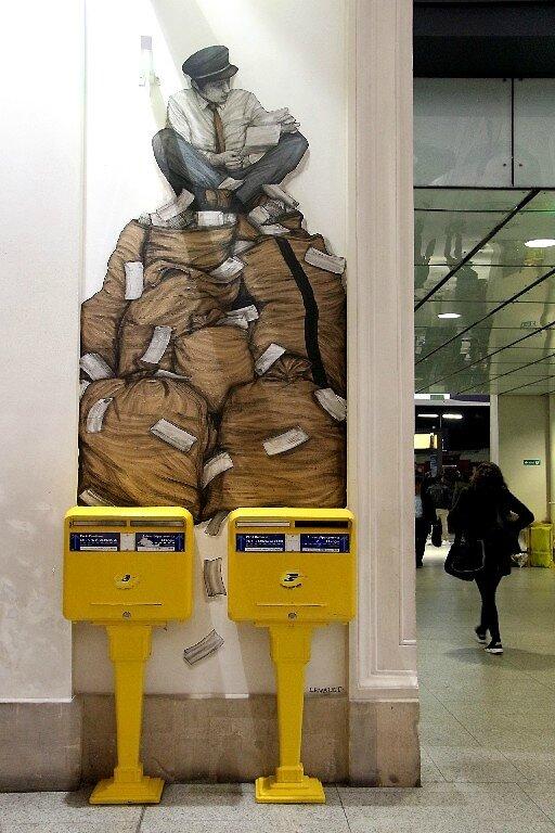 8-Levalet collage Gare St Lazare_7913