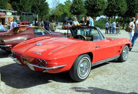 Chevrolet_corvette_type_C2_cabriolet_de_1963__9_me_Classic_Gala_de_Schwetzingen_2011__02