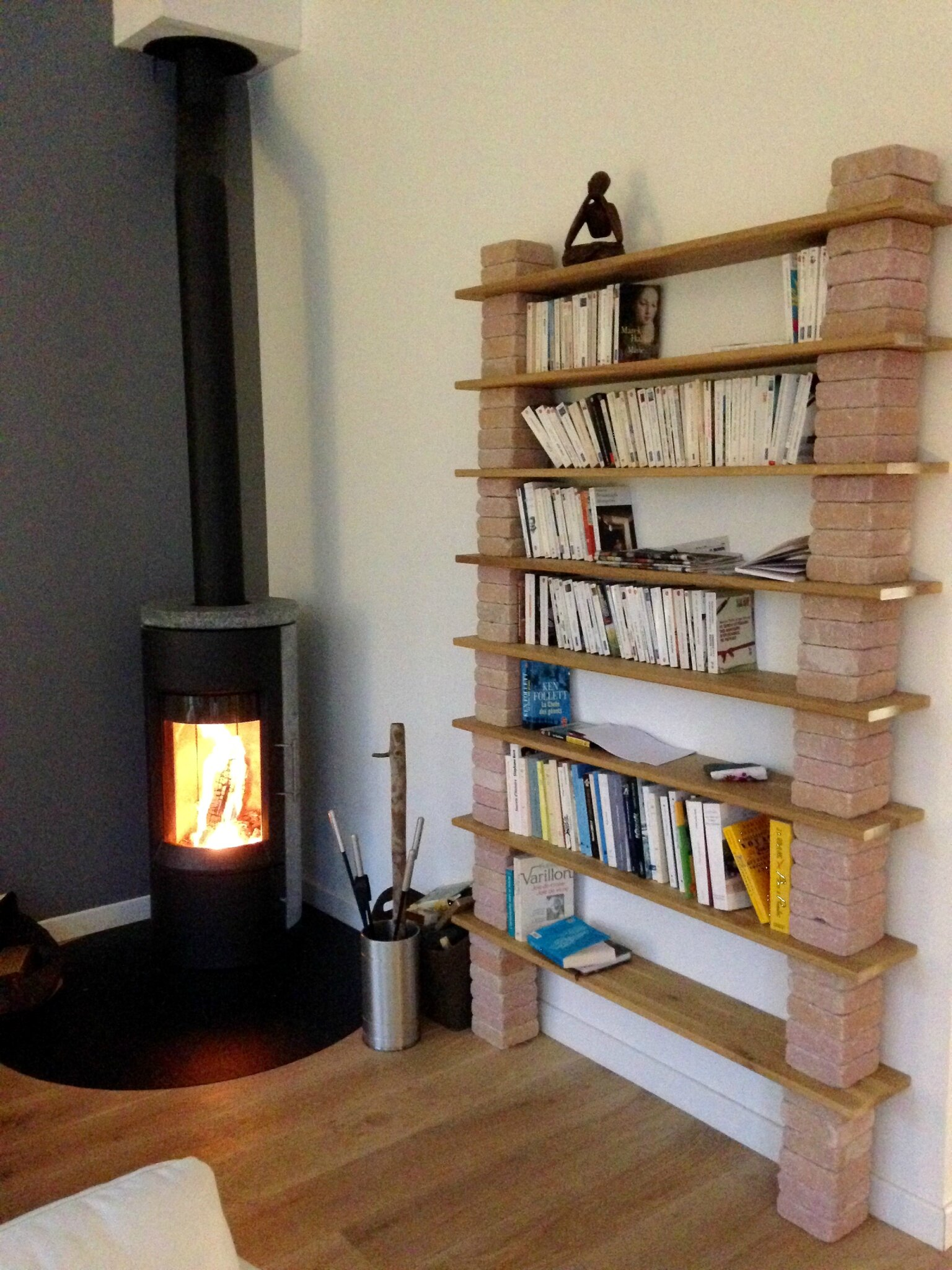 Une biblioth que sur mesure r aliser soi m me home and office design - Faire une etagere en bois ...