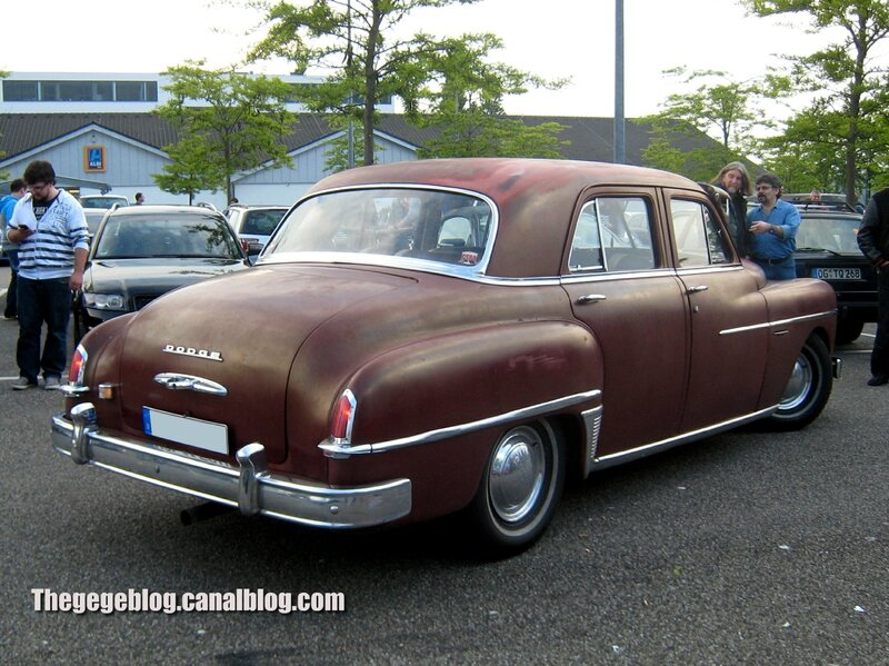Dodge coronet 4 door sedan de 1950 (Rencard Burger King mai 2014) 02