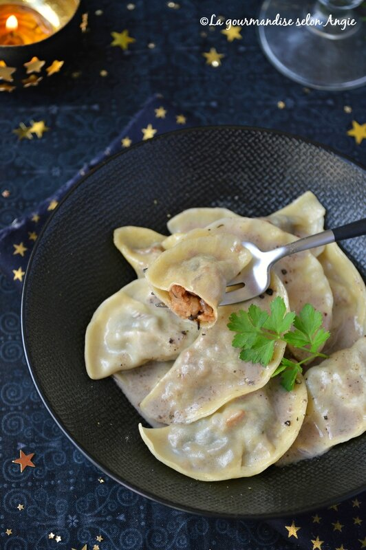 ravioles seitan châtaignes - sauce chmapignon - noël vegan