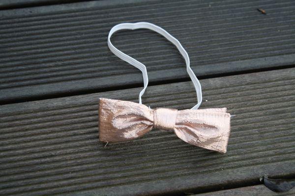 tuto pour r aliser un noeud papillon enfant pour les f tes lison et les autres. Black Bedroom Furniture Sets. Home Design Ideas