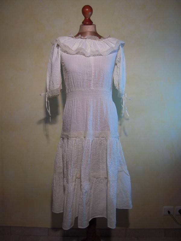 r 007 robe blanche hippie chic taille 38 les fripes de loulie sont chics. Black Bedroom Furniture Sets. Home Design Ideas
