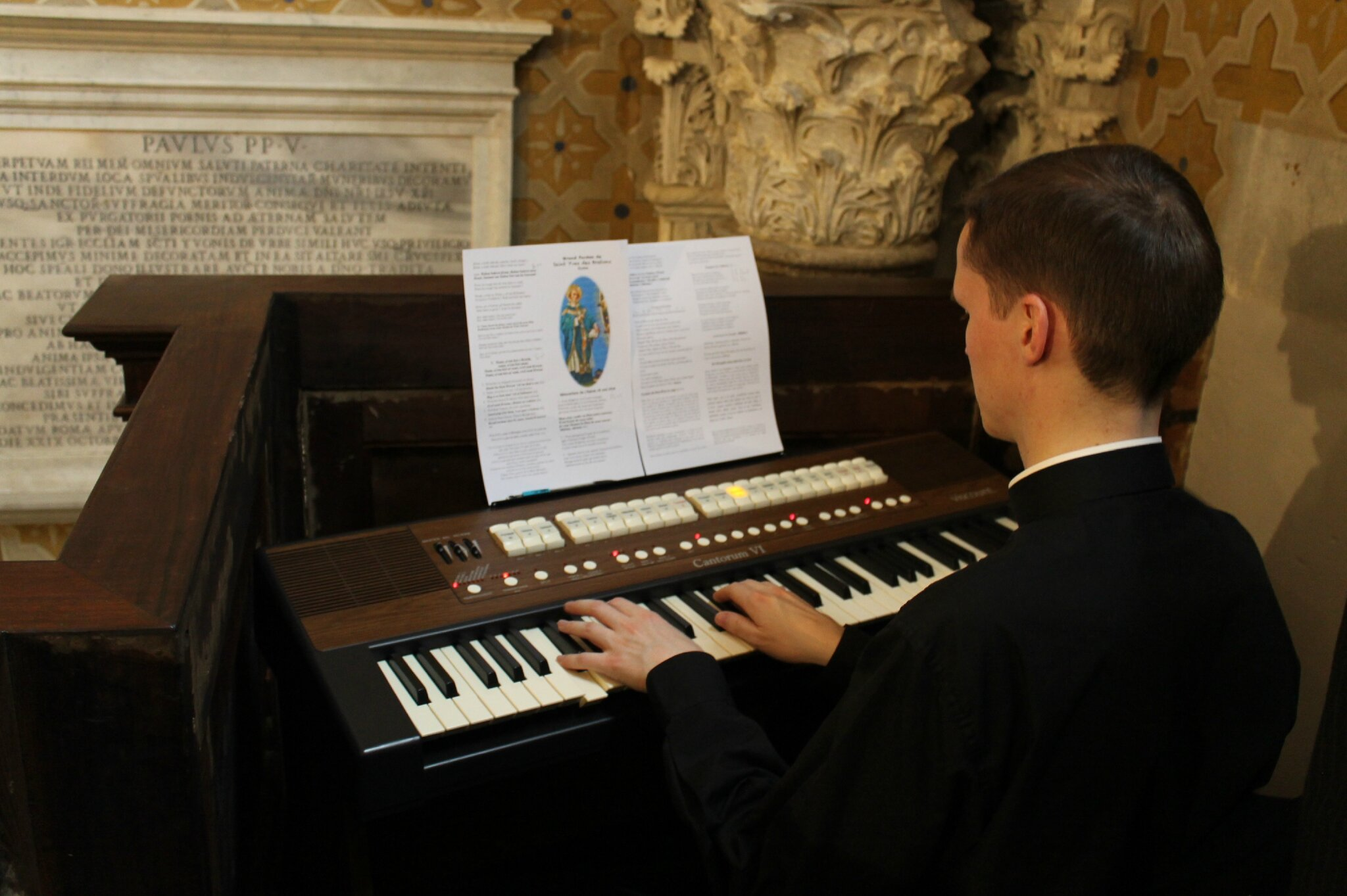 Orgue à la tribune