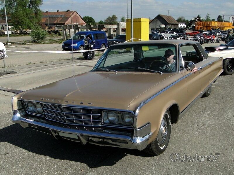 chrysler-new-yorker-sedan-1965-a