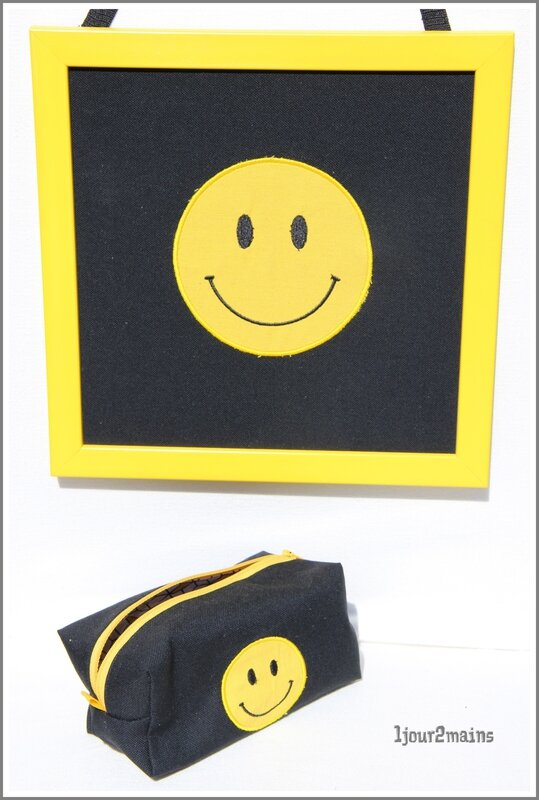 smiley cadre+trousse