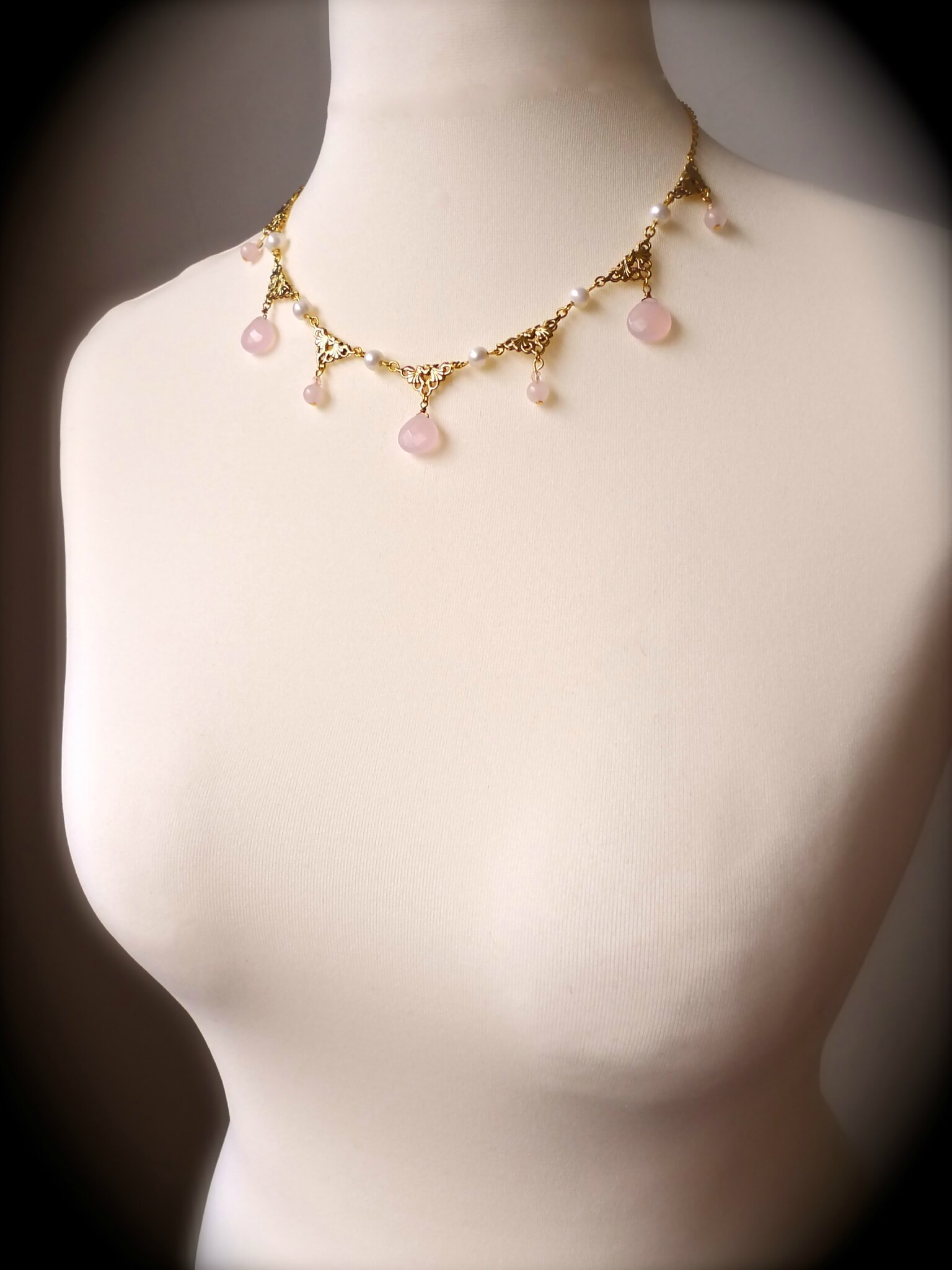 Collier Bijoux et Bien-Etre en perles de culture de Chine et Quartz rose
