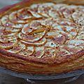 La très jolie tarte aux pommes, praliné et caramel facile et rapide ...
