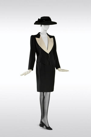 Yves_Saint_Laurent__Tuxedo_with_short_skirt