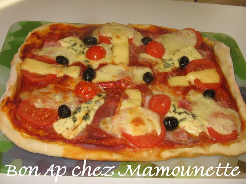 Pizza facile la charcuterie italienne et divers fromages for Repas facile amis