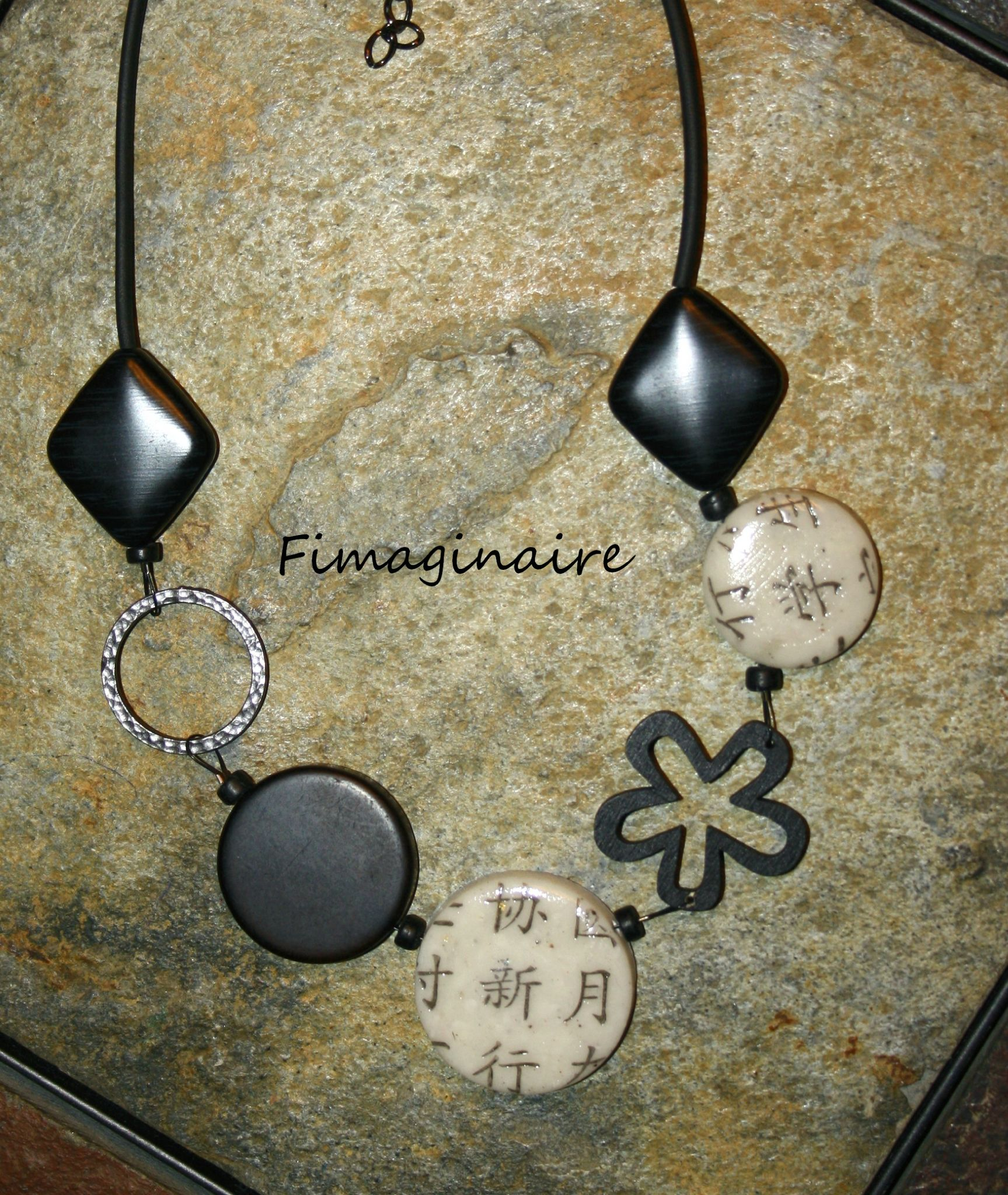 Collier écriture chinoise - 22$
