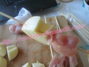Brochettes de dinde et pommes grillées à la sauce sésame13
