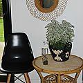 A vendre : la petite table basse vintage en rotin...