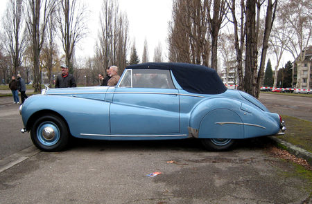 Bentley_mark_VI_Abbott_Drophead_coupe_de_1946__Retrorencard_fevrier_2010__02
