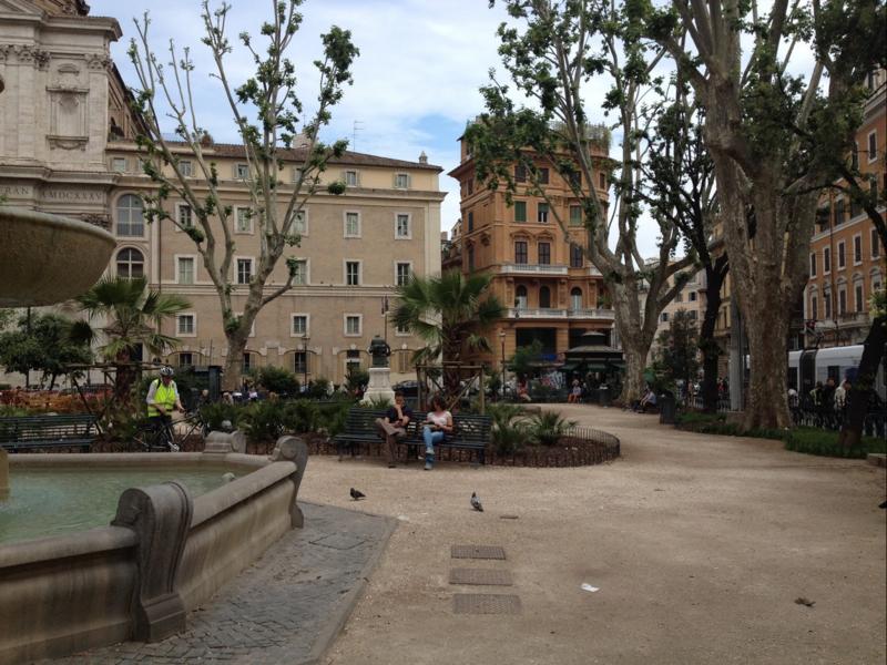 Rome square cairoli 2016-4