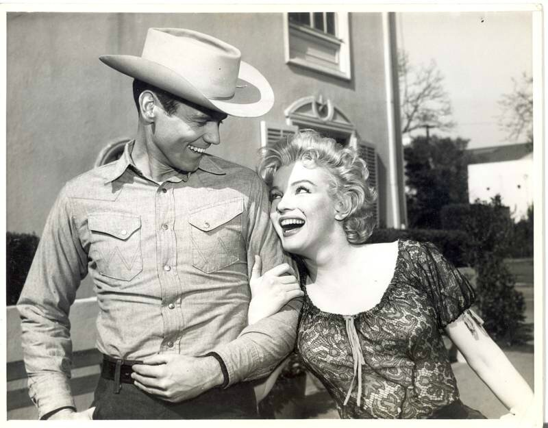 bs-sc07-on_set-with_don_murray-010-1b
