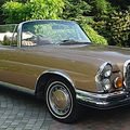 Deux mercedes-benz 280 se 3,5 l cabriolet 1971 et 280 sl 1970 @ artcurial